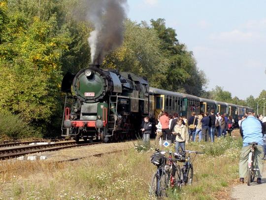 28.10.2008 - Tovačov: Atmosféra na nádraží v Tovačově krátce před odjezdem posledního spoje do Kojetína © Rosťa Kolmačka