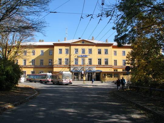 12.10.2008 - Jihlava: staniční budova z Havlíčkovy ulice © PhDr. Zbyněk Zlinský