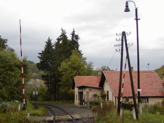 Šiatorská Bukovinka - km 136,632, v čase prieskumu, pohľad na zastávku, 24.9.2003, © ddzz