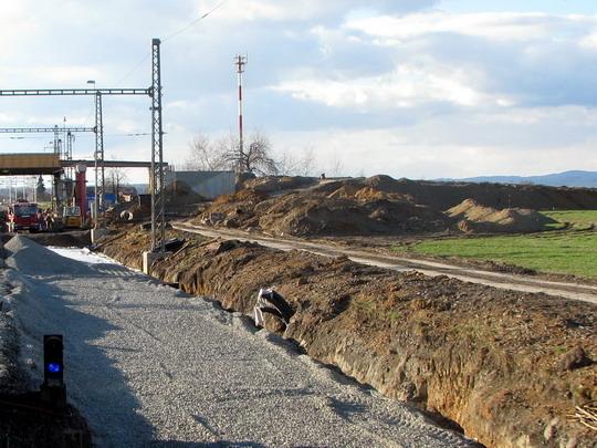 22.03.2008 - před Červenkou: práce na koridoru (foto z Ex 524) © PhDr. Zbyněk Zlinský