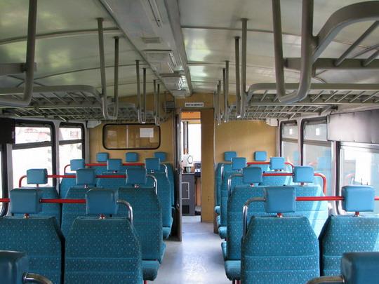 02.05.2008 - RD Žilina: 811.008-2 - oddíl pro cestující, pohled dozadu © PhDr. Zbyněk Zlinský