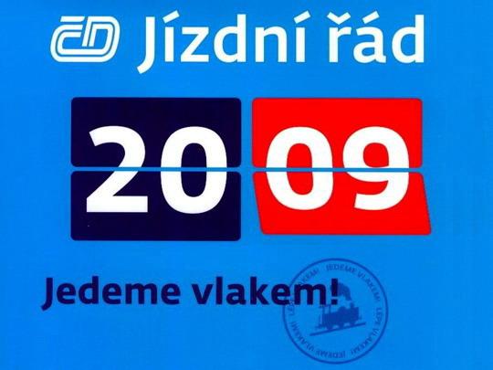 Výřez obálky knižního jízdního řádu, v níž jej distrubuují České dráhy