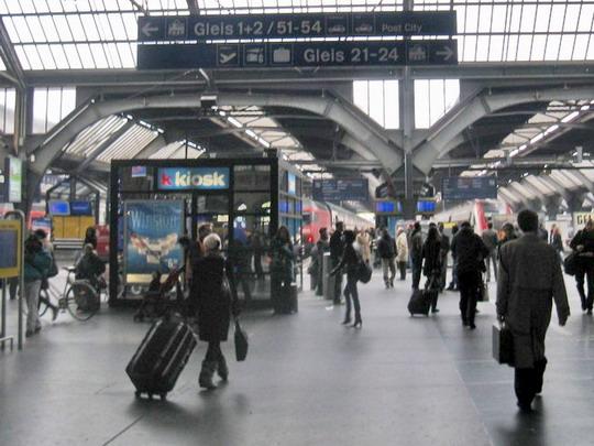 31.10.2008 - Zurich Hbf: Popoluďňajší chaos na stanici v Zurichu © Mária Gebhardtová