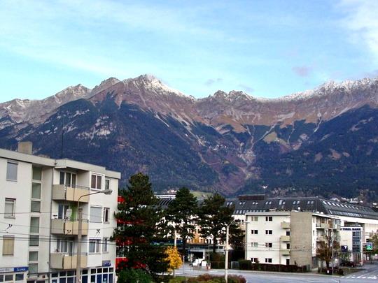 1.11.2008 - Innsbruck: Ranný pohľad z okna hotelu © Martin Kóňa