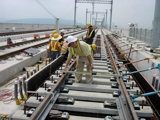 Montaz vyhybky - vyhybka polozena na TSS 7 © Rail.One