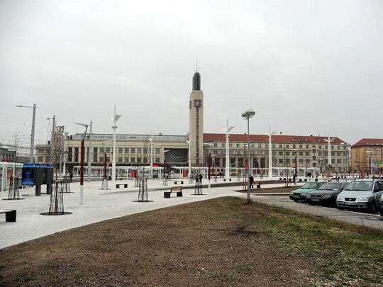 10.12.2008 - Hradec Králové: zprovoznění Riegrova náměstí - celkový pohled © PhDr. Zbyněk Zlinský