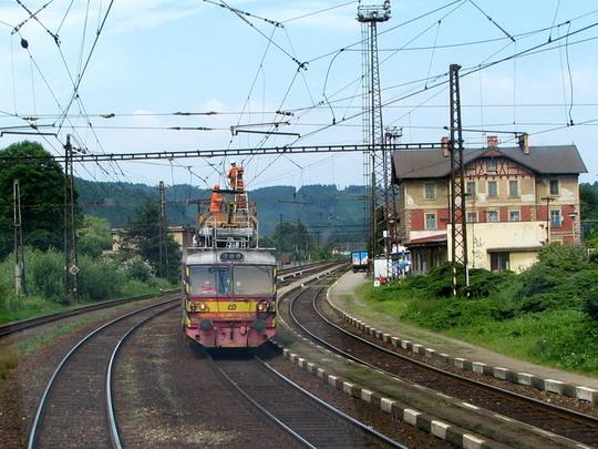 23.06.2008 - Ústí n.O.: pracující dráteník MVTV 2-012 © PhDr. Zbyněk Zlinský
