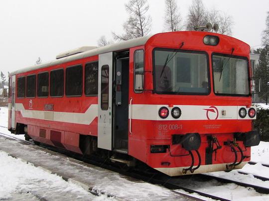 04.01.2005 - Tatranská Lomnica: 812.008-1 LUX ako Os 8412 Tatranská Lomnica - Studený Potok© Peter Roštek