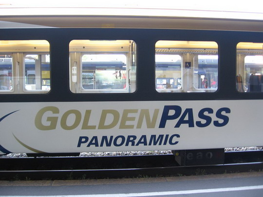 8.5.2008 - GoldenPass Panoramic-Express, Interlaken Ost - Luzern © František Halčák