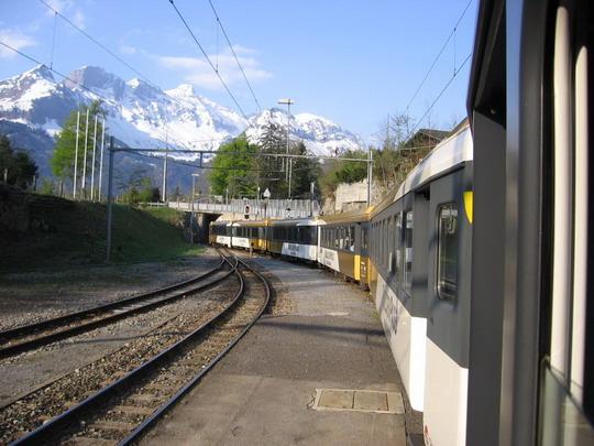 8.5.2008 - GoldenPass Panoramic-Express v stanici Brunig-Hasliberg, Interlaken Ost - Luzern © František Hal�ák