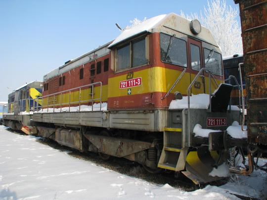 09.01.2009 - TSS Hulín: 742.521-8 a 721.111-3 © PhDr. Zbyněk Zlinský