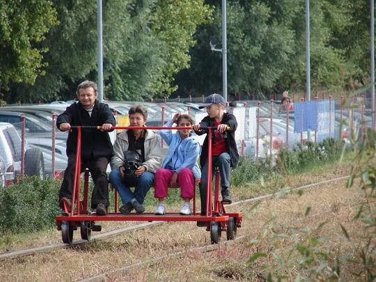 Rodinný výlet drezinou - budúcnosť trate Piešťany - Vrbové? 27. 9. 2008 © Ing. Marko Engler