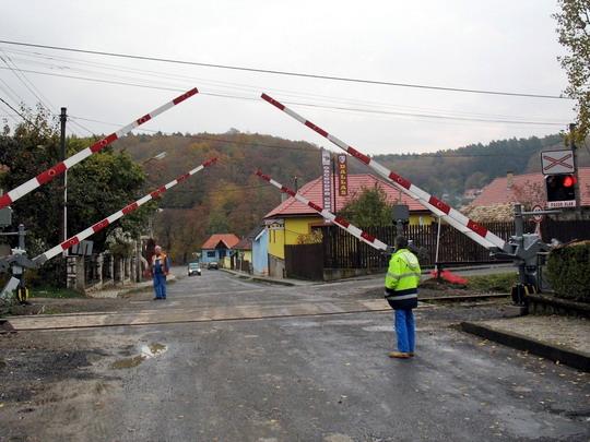 Priecestie P2 - Zatváranie štyroch závor je naraz, 30.10.2008, © Tomáš Rotbauer