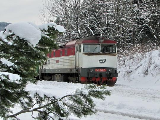 17.01.2009 - Ostružná: 749.246-5 v čele soupravy pro Sp 1803 do Opole © PhDr. Zbyněk Zlinský