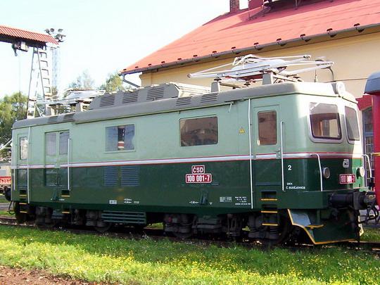 """""""Kapesní bobina"""" je vlastně také elektrický vůz (28.08.2004 - PJ Tábor) © PhDr. Zbyněk Zlinský"""