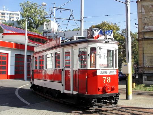 "Historická tramvaj č. 78 ""Bovera"" je ovšem z Ústí n.L. a z roku 1929 (22.09.2007 - vozovna DP Liberec) © PhDr. Zbyněk Zlinský"