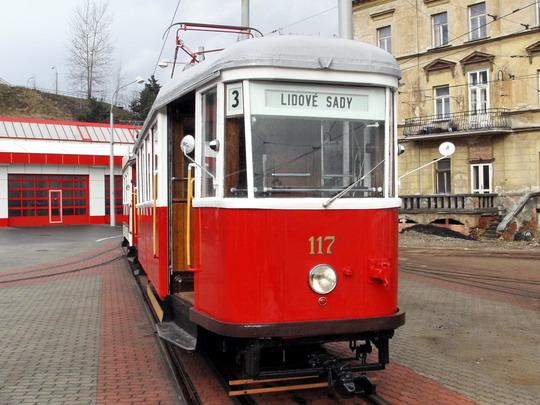 Historický vůz č. 117 (6MT) dodaný roku 1953 do Jablonce n.N., r. 1957 předán do Liberce (19.01.2008 - vozovna DP Liberec) © PhDr. Zbyněk Zlinský