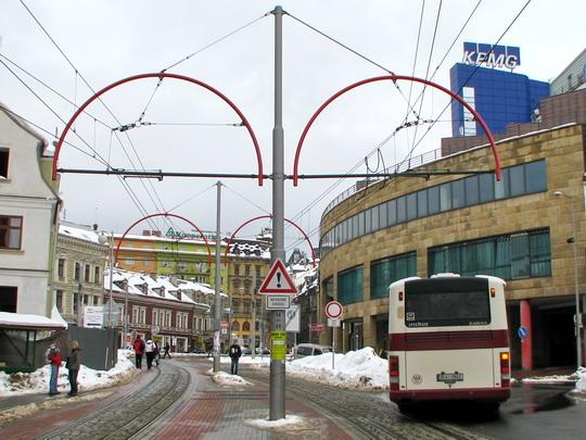 Přeložená trať v ulici Rumunské (25.02.2009 - Liberec) © PhDr. Zbyněk Zlinský