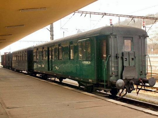 14.3.2009 - nádraží Praha-Smíchov: Souprava zvláštního parního vlaku ©Jiří Řechka