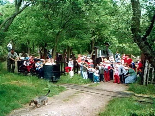 Vozenie škôlkárov na MDD v roku 2005
