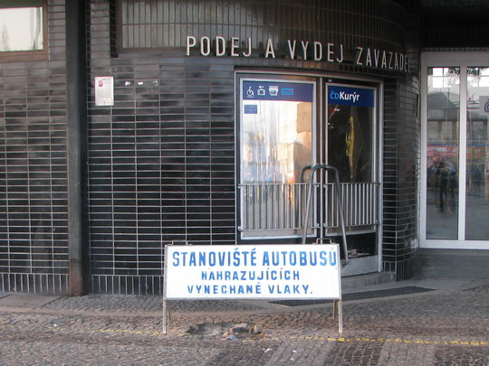 04.04.2009 - Pardubice hl.n.: stanoviště NAD do Kostěnic © PhDr. Zbyněk Zlinský