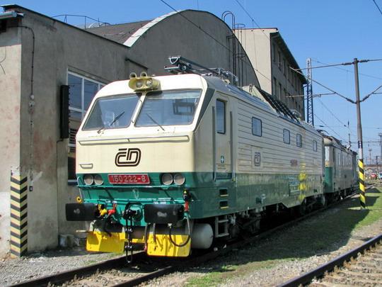 04.04.2009 - DPOV Přerov: 150.222-8 a 130.026-8 © PhDr. Zbyněk Zlinský