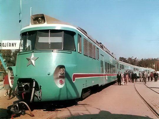 Jednotka EM 475.1007/1008 jako exponát 6. MSV Brno roku 1964 © ČKD Vagonka