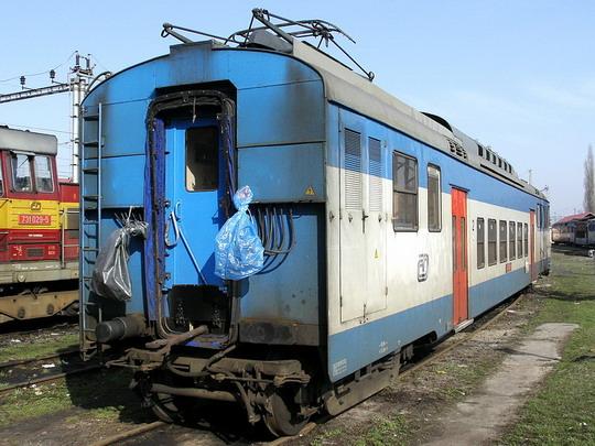 08.04.2006 - PJ Olomouc: odstavený hnací vůz 451.004-6 © PhDr. Zbyněk Zlinský