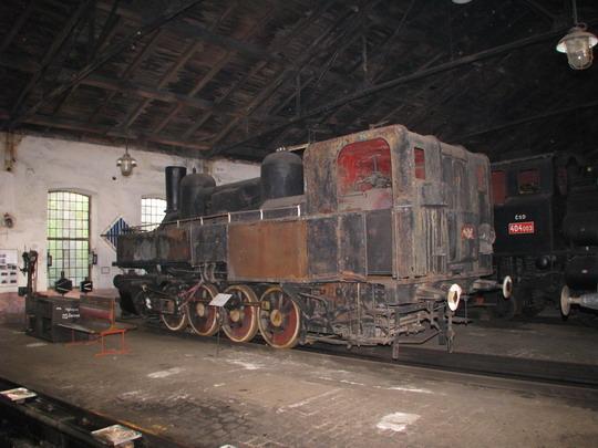 01.05.2009 - Jaroměř: exponáty v rotundě © PhDr. Zbyněk Zlinský