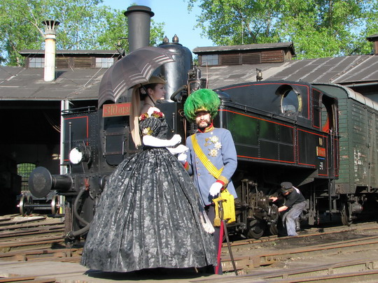 02.05.2009 - Jaroměř: císařský pár se chystá do České Skalice © PhDr. Zbyněk Zlinský