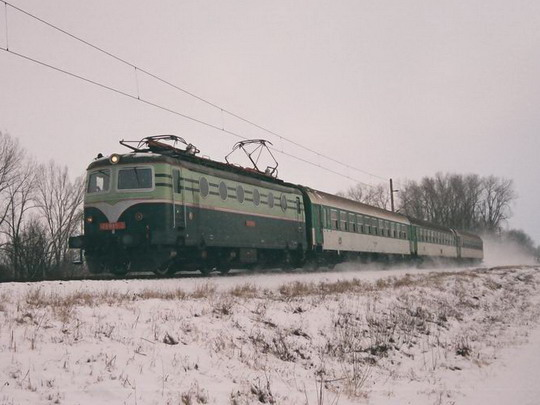 7.2.2009 - v Olomouci: 140.085 smeřuje s Os do svého cíle © Radek Hořínek