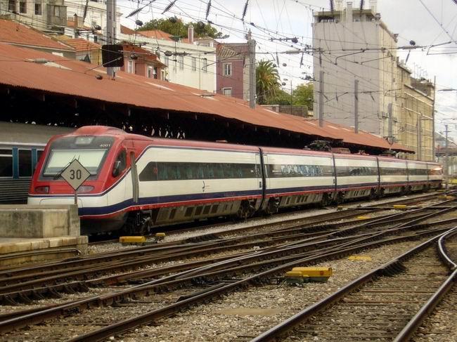 Lisboa Santa Apollónia,pendolino řady 4001 © Jiří Mazal
