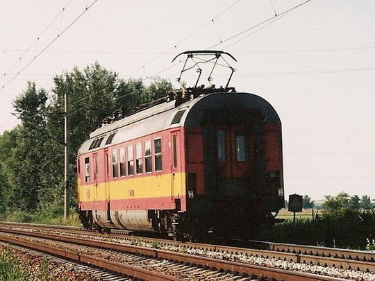 560.024-2 sólo na odjezdu z Břeclavi dne 31.7.1995 © Milan Vojtek