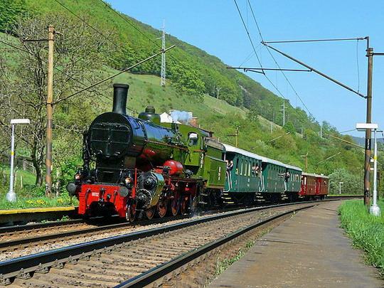 Polská Ol12-7 s mimořádným parním vlakem z Margecan dne 26.04.2009 © Karel Furiš