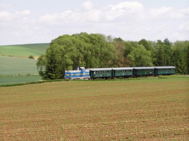 Posledný mimoriadny vlak do Zborovíc sa blíži, 23.5.2009 © Kamil Korecz