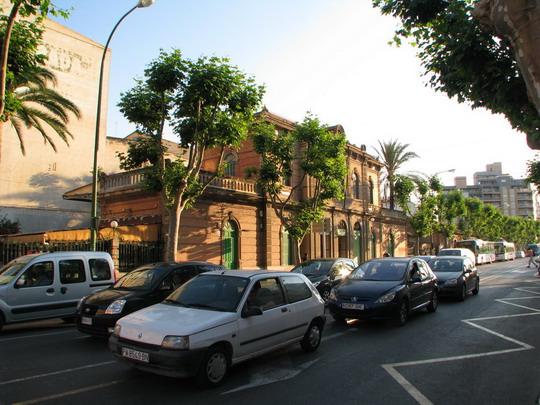 03.06.2009 - nádraží FS Palma: pohled z Calle de Eusebi Estada © PhDr. Zbyněk Zlinský