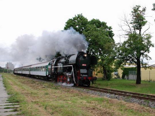 """20.06.2009 - v Olomouci: """"parní pantograf"""" jedoucí po trati SŽDC č. 275 © Radek Hořínek"""