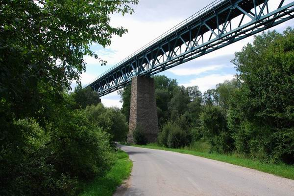 Papradský viadukt, pohľad smerom k ŽST Paprad.