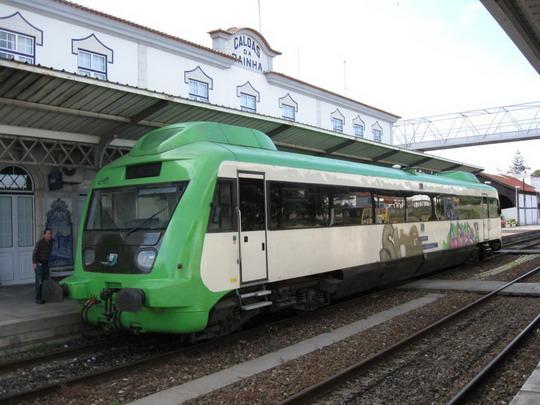 11.06.2009 - Žel. stanica Caldas da Rainha, mot. vozeň do Leiria © František Halčák