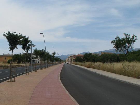 Nově zbudovaná Ronda del Sur s cyklistickou stezkou © PhDr. Zbyněk Zlinský
