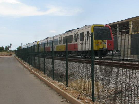 Pětivozový vlak odjíždějící nám před nosem do Palmy © PhDr. Zbyněk Zlinský