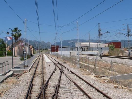 Son Sardina - stanice FS a stanice metra © PhDr. Zbyněk Zlinský