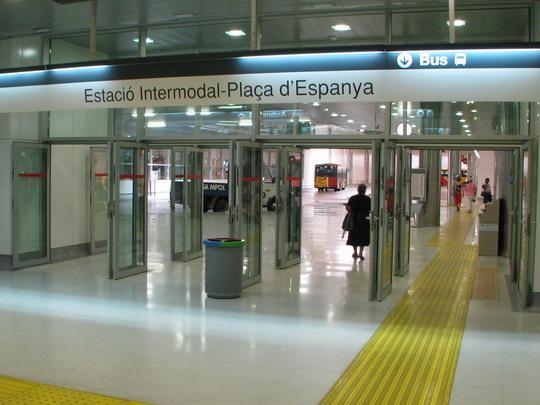 Autobusová část Estació Intermodal střežena v podstatě není © PhDr. Zbyněk Zlinský