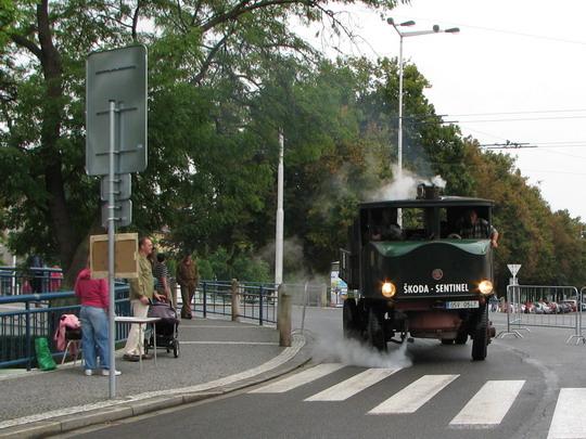 Sentinel projíždí kolem pokladny © PhDr. Zbyněk Zlinský