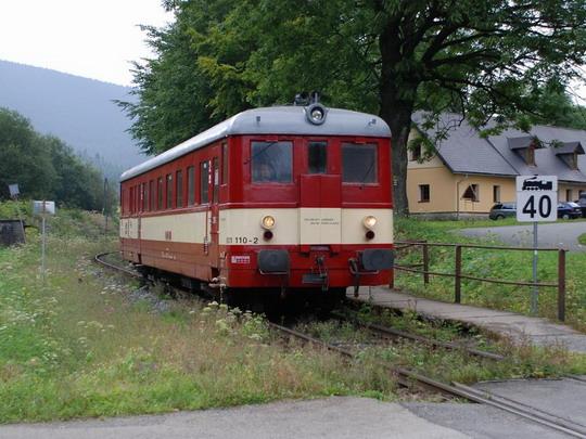18.08.2009 - Ramzová: 831.110 se vrací jako Lv © Radek Hořínek