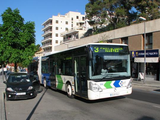 12.06.2009 - Cala Nova: autobus linky č. 3 na Avinguda de Joan Miró © PhDr. Zbyněk Zlinský