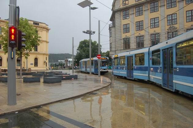 Tramvaje u hlavního nádraží v Oslu. 17.8.2009 © Laborec425