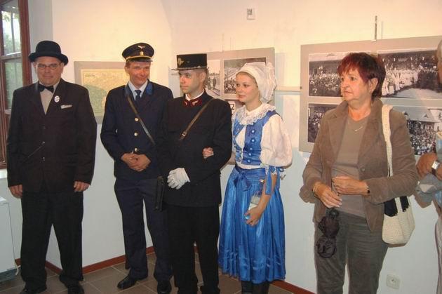 Vernisáž v Galerii Ve dvoře, Veselí nad Moravou.