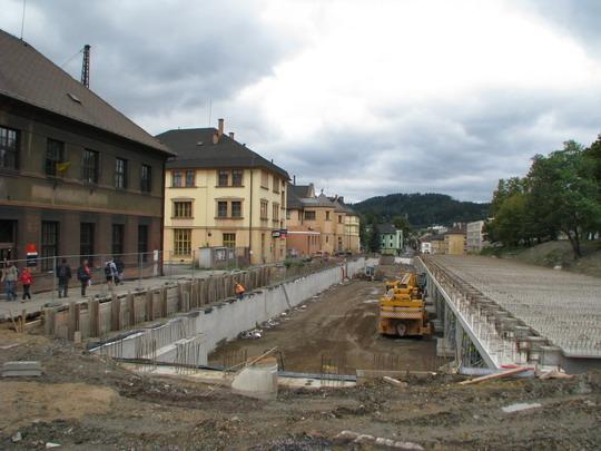 Stavba termínálu před českotřebovským nádražím © PhDr. Zbyněk Zlinský