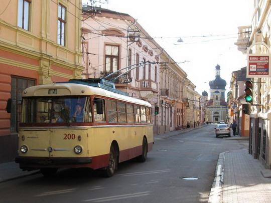 20.07.2009 - �ernivci - starý škodovácky trolejbus © František Hal�ák